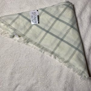 White and Grey blanket scarf